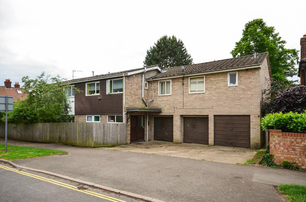 2 Bedrooms Ground Flat for sale in Ascham Road, Cambridge