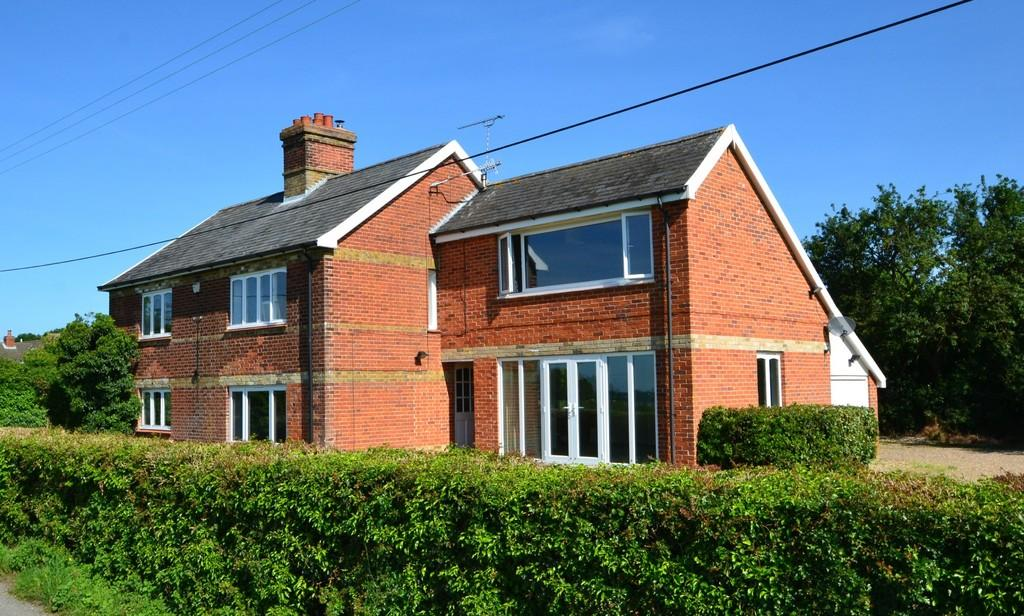 4 Bedrooms Detached House for sale in The Street, Harkstead, Ipswich, Suffolk, IP9 1BU