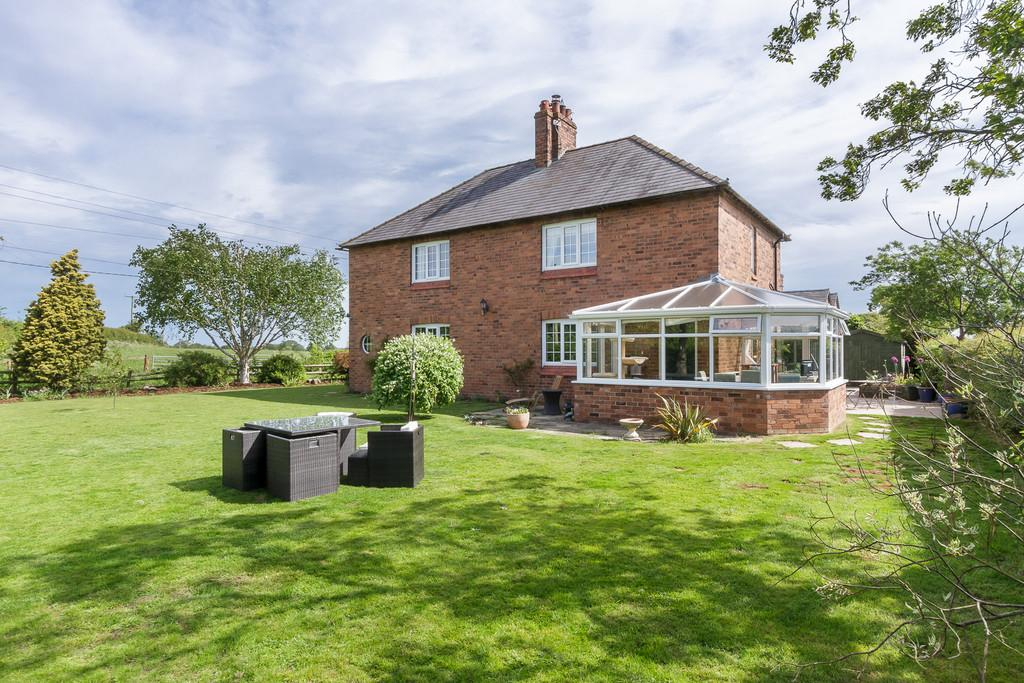4 Bedrooms Cottage House for sale in Whitchurch, Shropshire