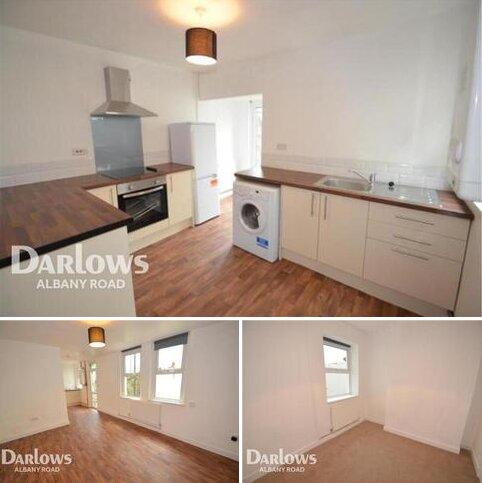 2 bedroom flat to rent - Claude Road