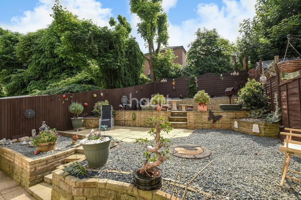 3 Bedrooms End Of Terrace House for sale in College Green, Upper Norwood, SE19