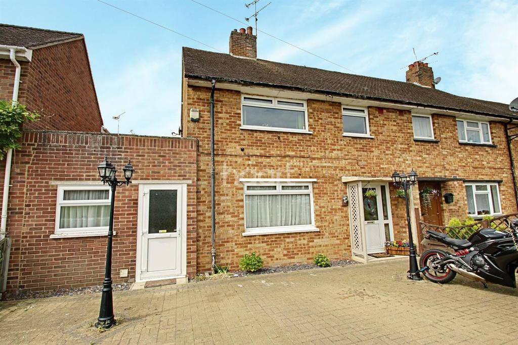 3 Bedrooms Terraced House for sale in Ebenezer Close, Witham, CM8