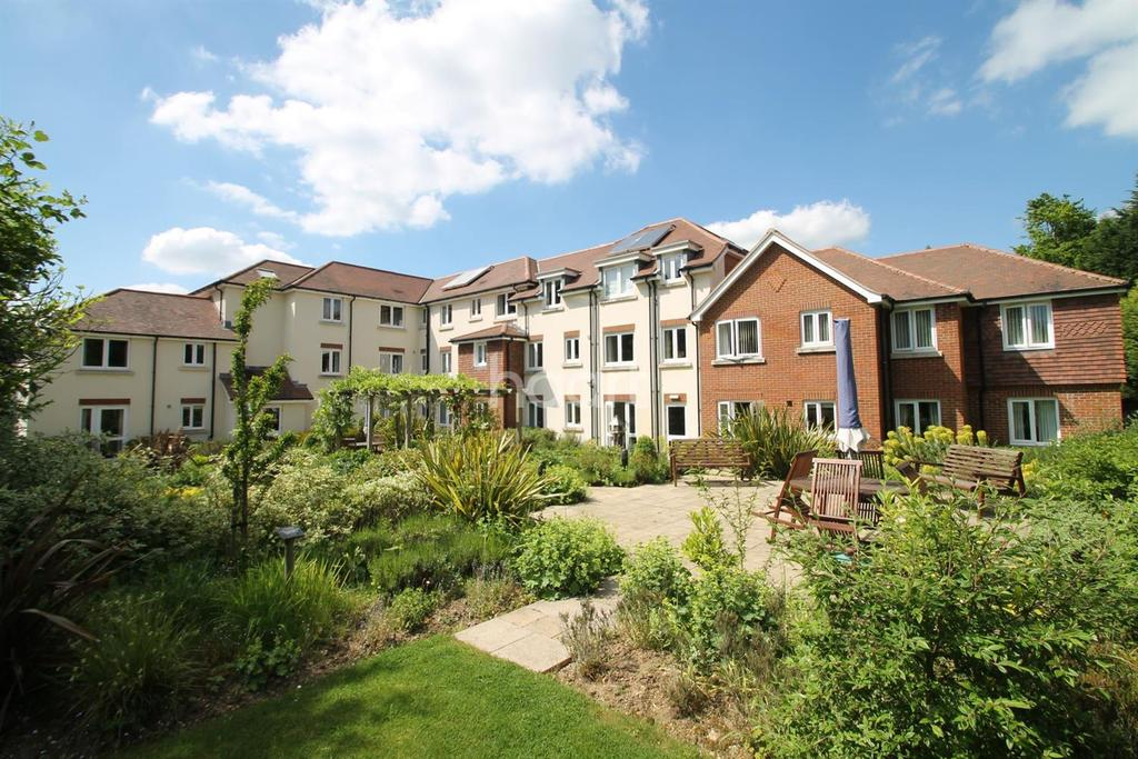 1 Bedroom Flat for sale in Cornerway Lodge, Grayshott