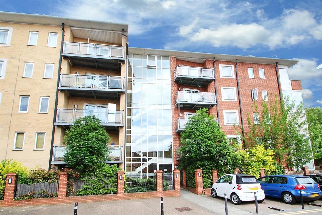 1 Bedroom Flat for sale in Nexus Court, Kirkdale Road, Leytonstone