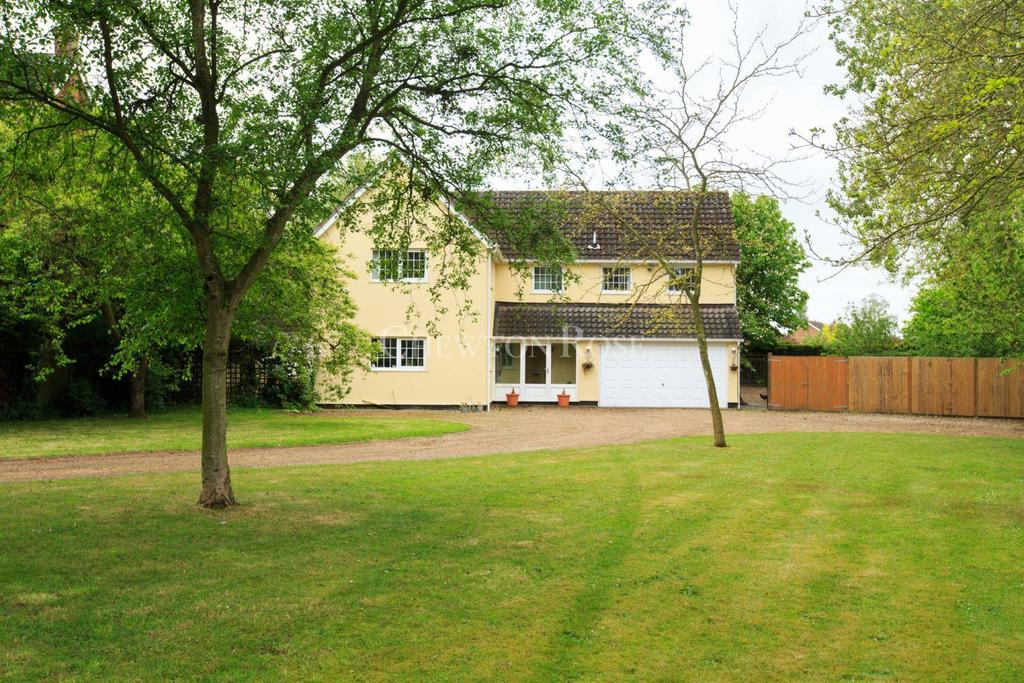 5 Bedrooms Detached House for sale in Old Buckenham