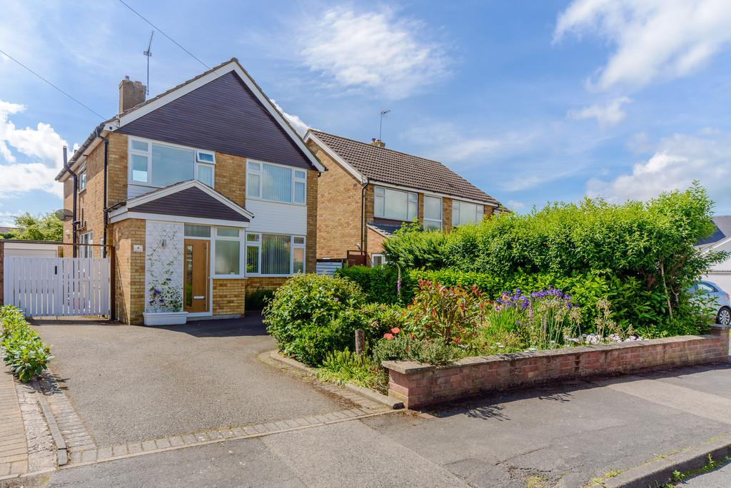 4 Bedrooms Detached House for sale in Mercia Avenue, Kenilworth