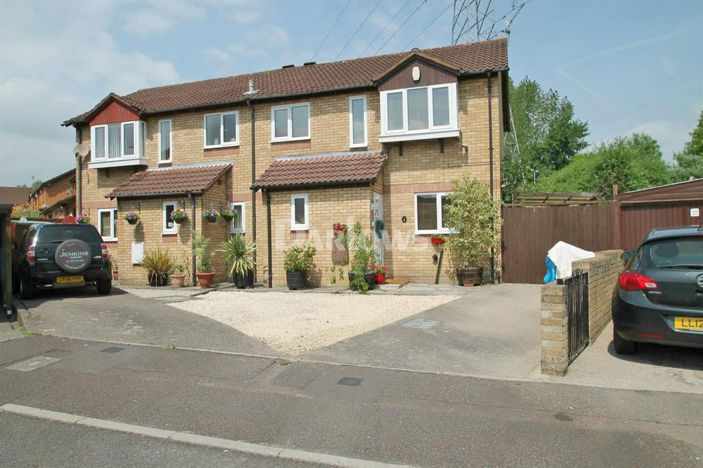 3 Bedrooms Semi Detached House for sale in Comfrey Close, St Mellons, Cardiff