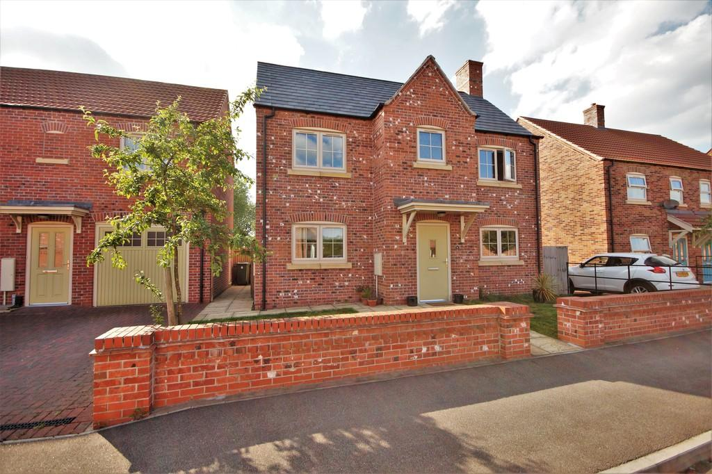 3 Bedrooms Detached House for sale in Abbottsford Way, Lincoln