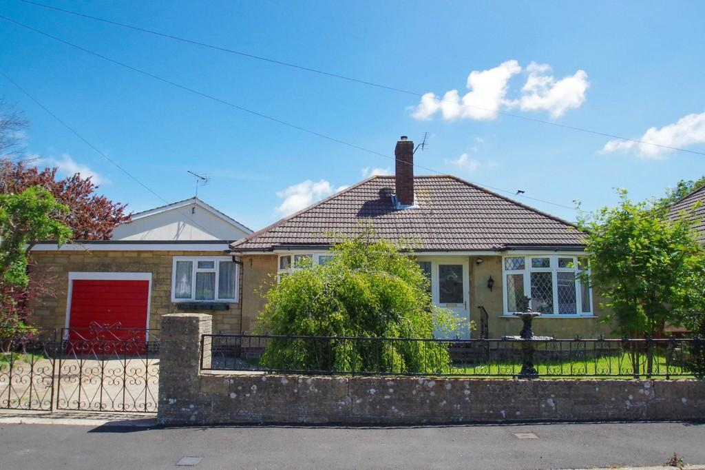 3 Bedrooms Detached Bungalow for sale in Witbank Close, Shanklin, Isle of Wight, PO37