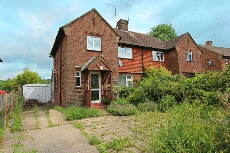 3 Bedrooms Detached House for sale in Ockleys Mead, Godstone