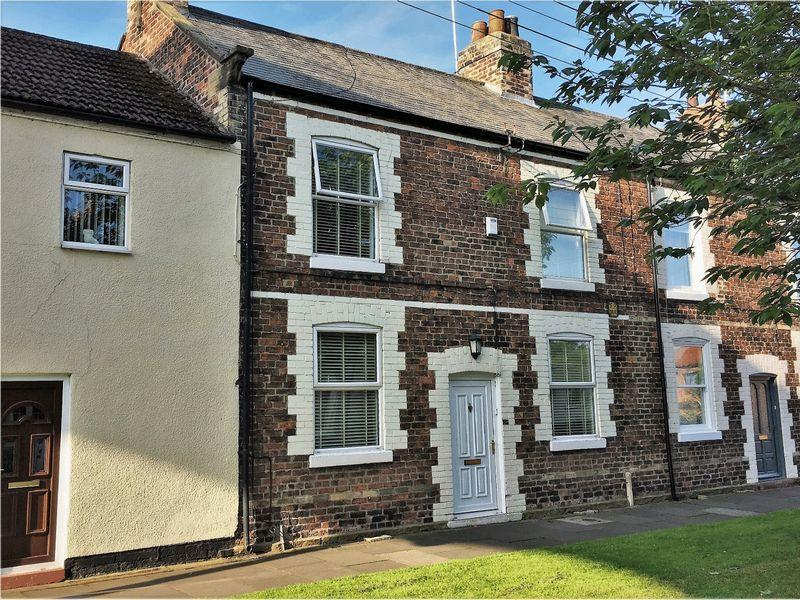 3 Bedrooms Terraced House for sale in Bridge Street, Yarm TS15 9BY