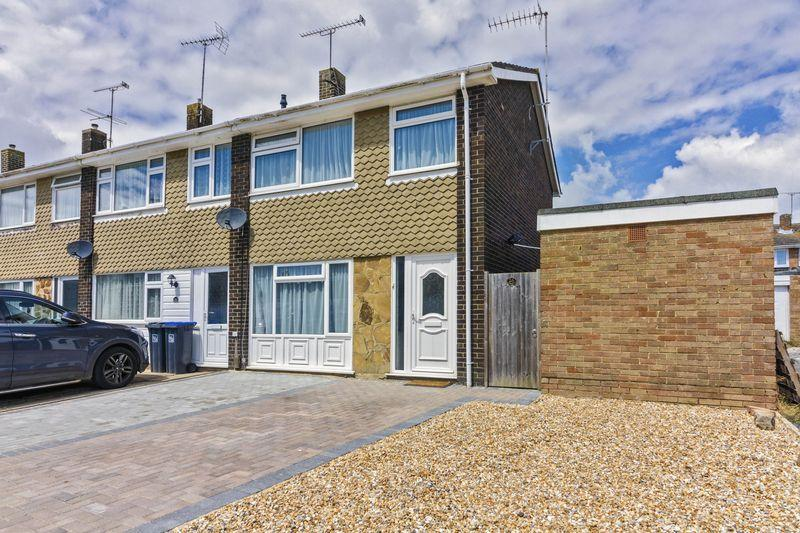 3 Bedrooms Semi Detached House for sale in Kipling Avenue, Goring-by-Sea