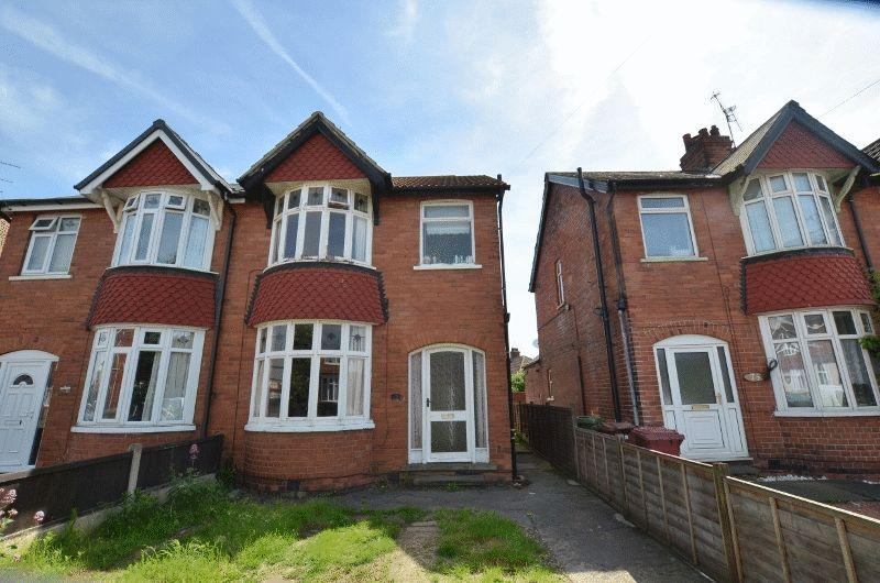 3 Bedrooms Semi Detached House for sale in Cole Street, Scunthorpe