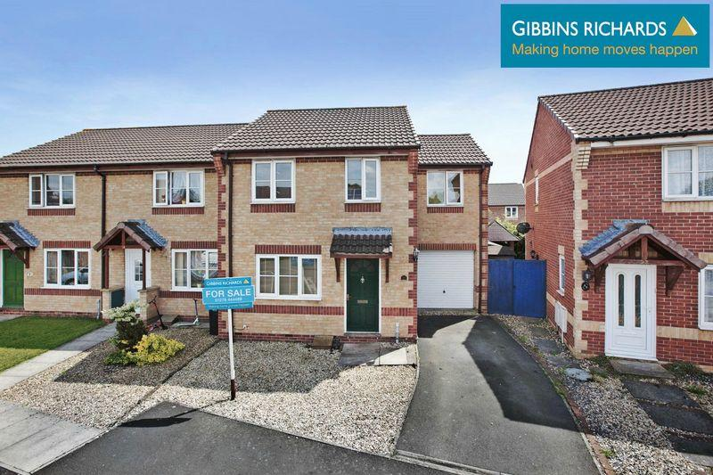 4 Bedrooms Semi Detached House for sale in Larch Close, Bridgwater