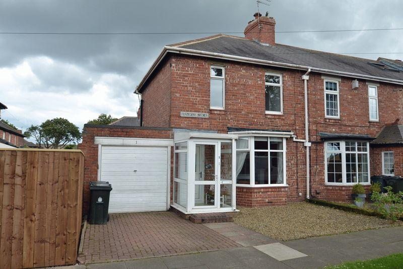 2 Bedrooms Semi Detached House for sale in Burnbank Avenue, Whitley Bay