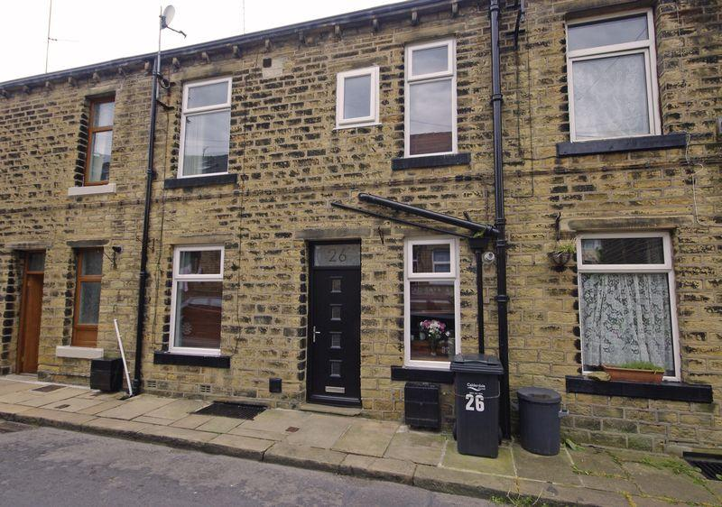 2 Bedrooms Terraced House for sale in 26 Hollin Street, Triangle