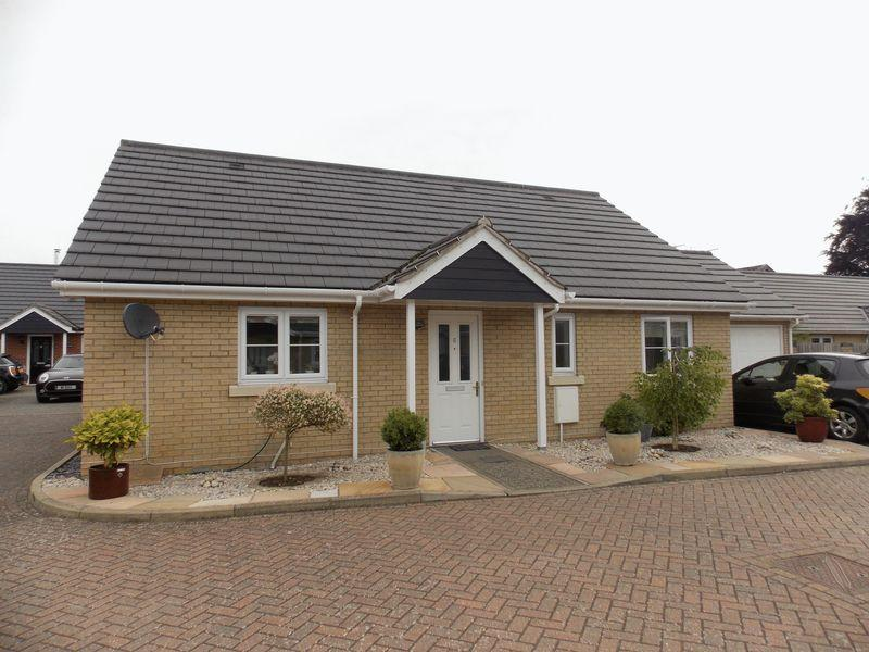3 Bedrooms Bungalow for sale in Malting Field, Elmswell
