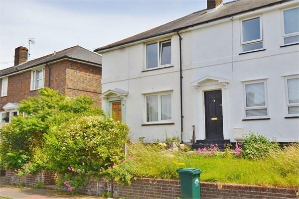 3 Bedrooms Semi Detached House for rent in Tarner Road, Brighton, BN2