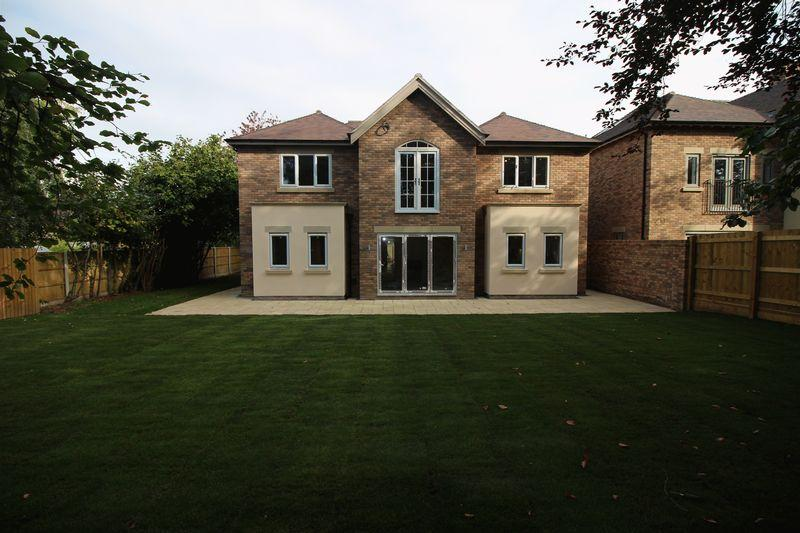 5 Bedrooms Detached House for sale in Last Remaining Plot, London Road, Shrewsbury