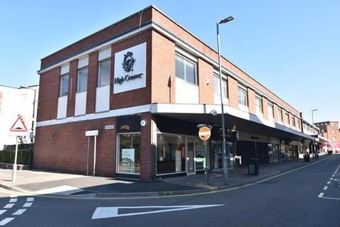 Retail property (high street) to rent - 22 New London Road, Chelmsford