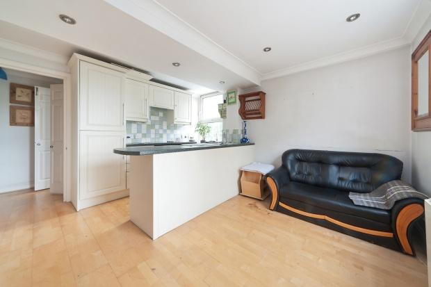 1 Bedroom Apartment Flat for sale in Gatliff Close Gatliff Close, Ebury Bridge Road, Westminster, SW1W