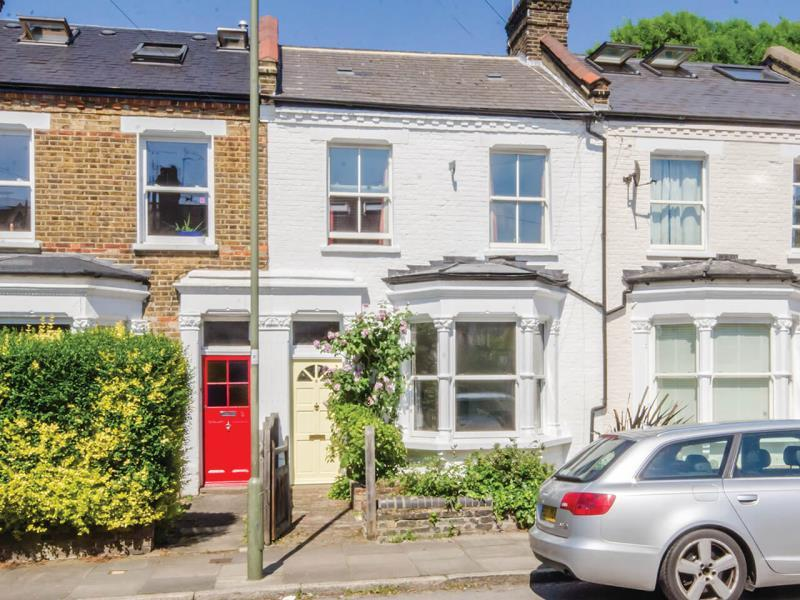 3 Bedrooms Terraced House for sale in Manor Park Road, N2