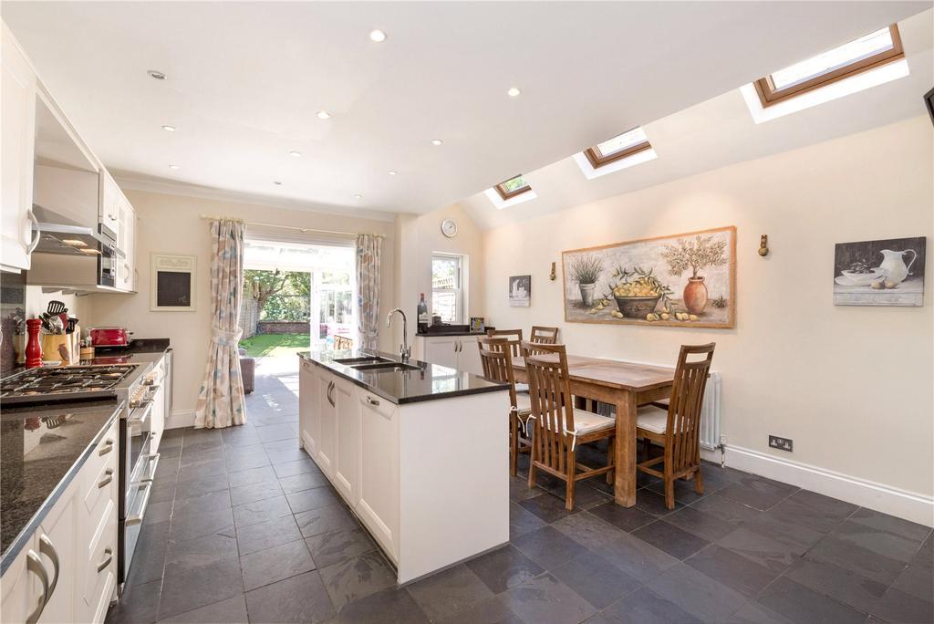 4 Bedrooms Terraced House for sale in Twilley Street, Earlsfield, London, SW18