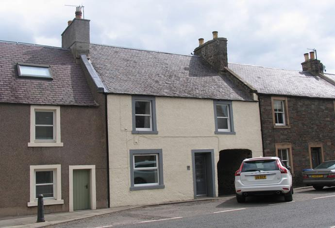 4 Bedrooms Terraced House for sale in The Townhouse, 39 West High Street, Lauder, TD2 6TF