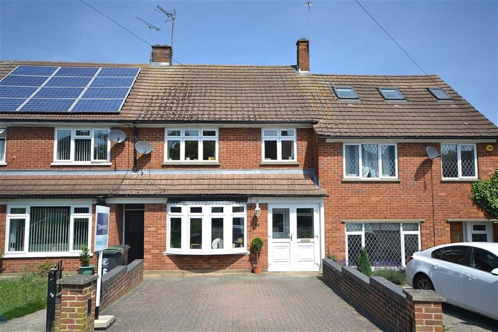 3 Bedrooms Terraced House for sale in Clover Leas, Epping, Essex, CM16
