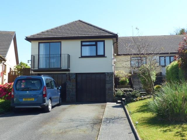 4 Bedrooms Bungalow for sale in Dol Y Dderwen, Llangain, Carmarthen