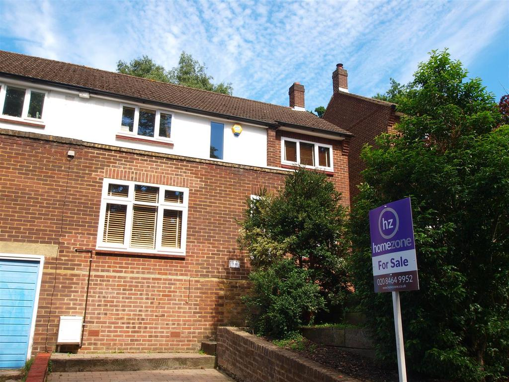 3 Bedrooms Semi Detached House for sale in Madeira Avenue, Shortlands, Bromley
