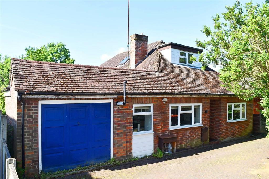 4 Bedrooms Detached House for sale in Rothschild Road, Linslade