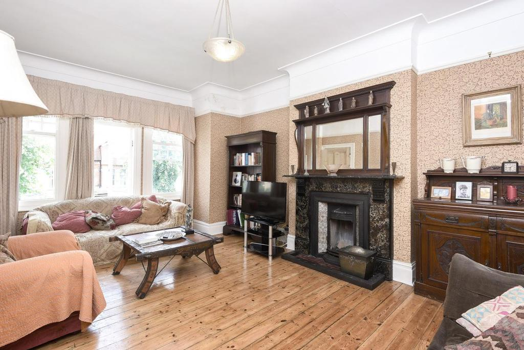 4 Bedrooms Flat for sale in Broomfield Avenue, Palmers Green, N13
