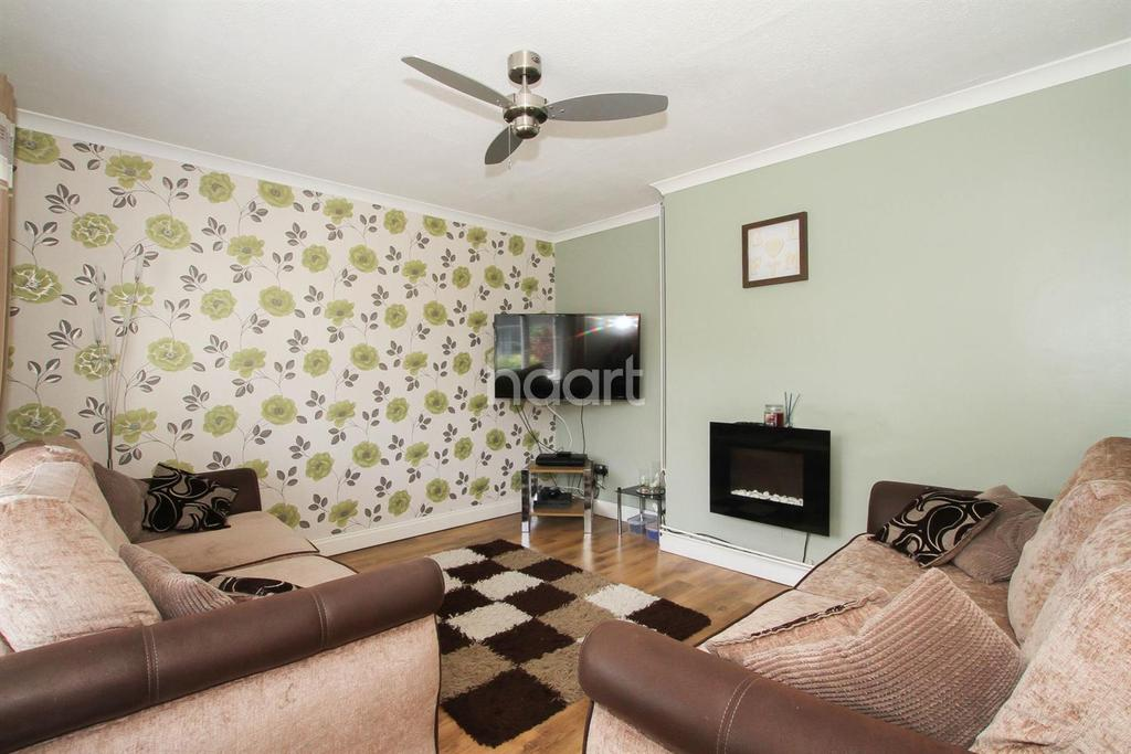 4 Bedrooms Semi Detached House for sale in Little Hyde, Shephall, Stevenage