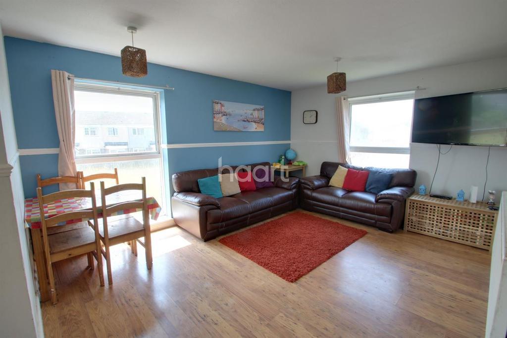 2 Bedrooms Flat for sale in Pentland Road