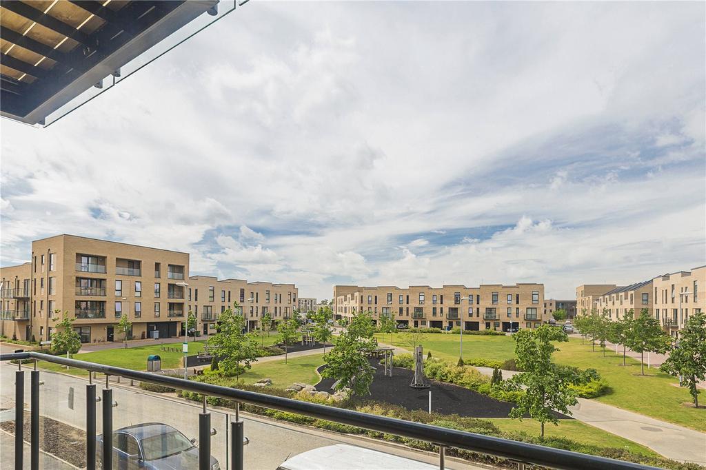 2 Bedrooms Flat for sale in De Havilland House, Whittle Avenue, Great Kneighton, Trumpington, CB2