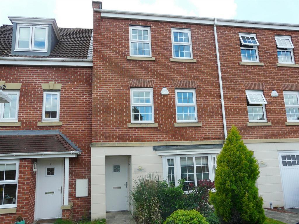 4 Bedrooms Terraced House for sale in Bintley Drive, Pocklington, York