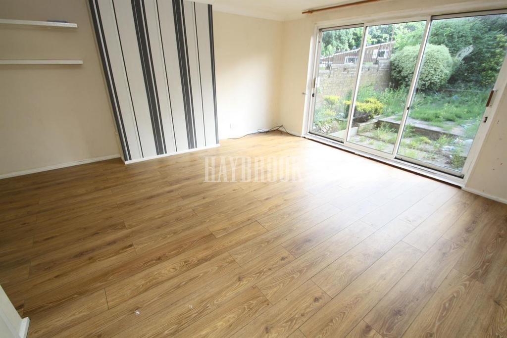 3 Bedrooms End Of Terrace House for sale in Ironside Road, Gleadless Valley, S14