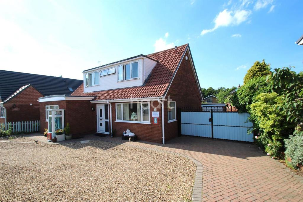4 Bedrooms Bungalow for sale in Norman Drive, Hatfield