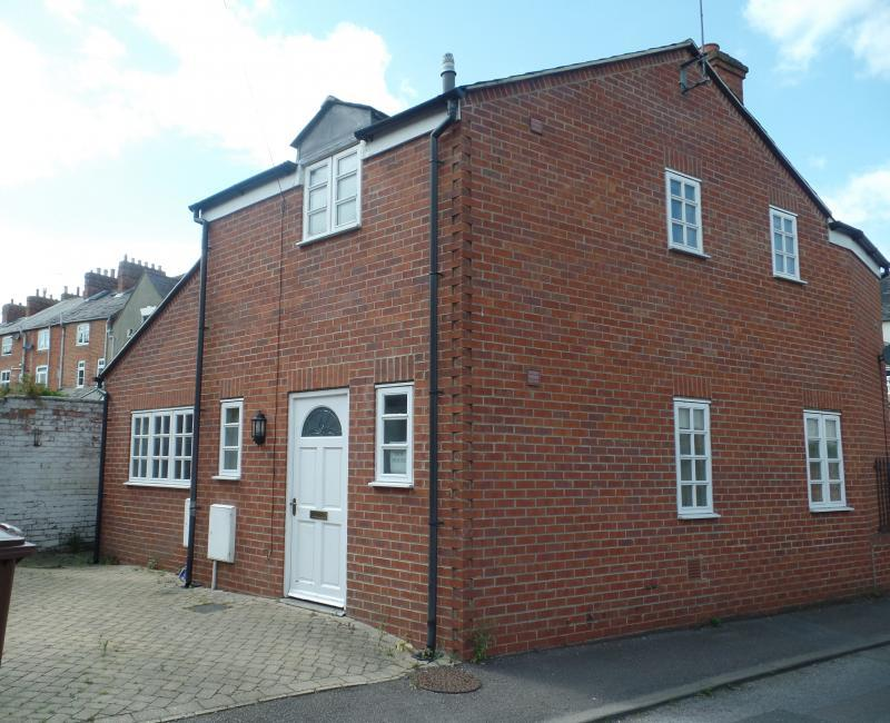 2 Bedrooms Detached House for sale in New Road, BANBURY, OX16