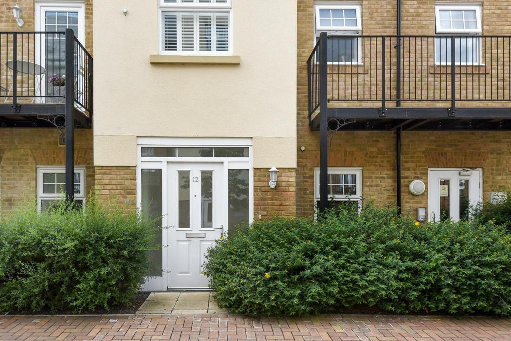 1 Bedroom Flat for sale in Wells View Drive, Bromley, BR2