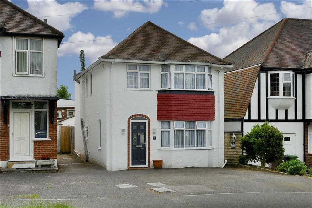 4 Bedrooms Detached House for sale in Kenilworth Road, Stoneleigh, Surrey
