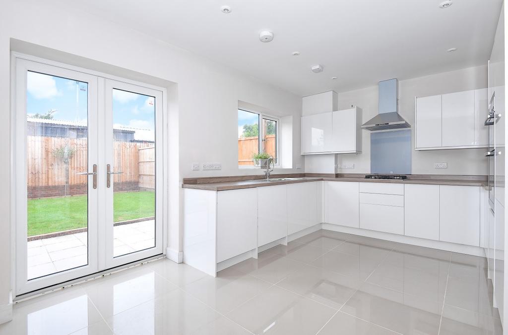 3 Bedrooms Semi Detached House for sale in Victoria Court, Victoria Road, Emsworth, PO10