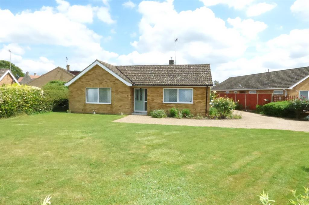 3 Bedrooms Detached Bungalow for sale in Station Road, Hockwold