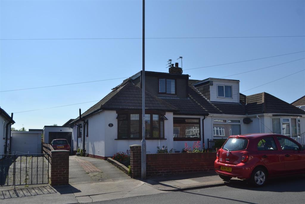 3 Bedrooms Semi Detached Bungalow for sale in Woodland Drive, High Barnes, Sunderland