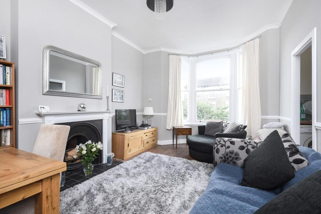 1 Bedroom Flat for sale in Endlesham Road, Balham, SW12