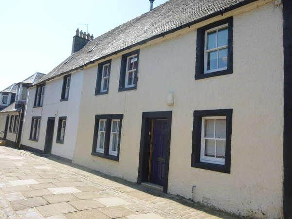 3 Bedrooms Terraced House for sale in 5 Hill Street, Irvine, KA12 0DE