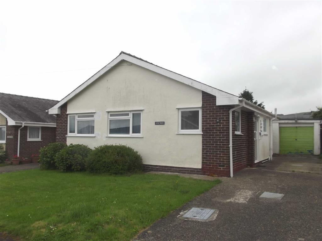 2 Bedrooms Detached Bungalow for sale in Bryn Tyddyn, Pentrefelin, Gwynedd