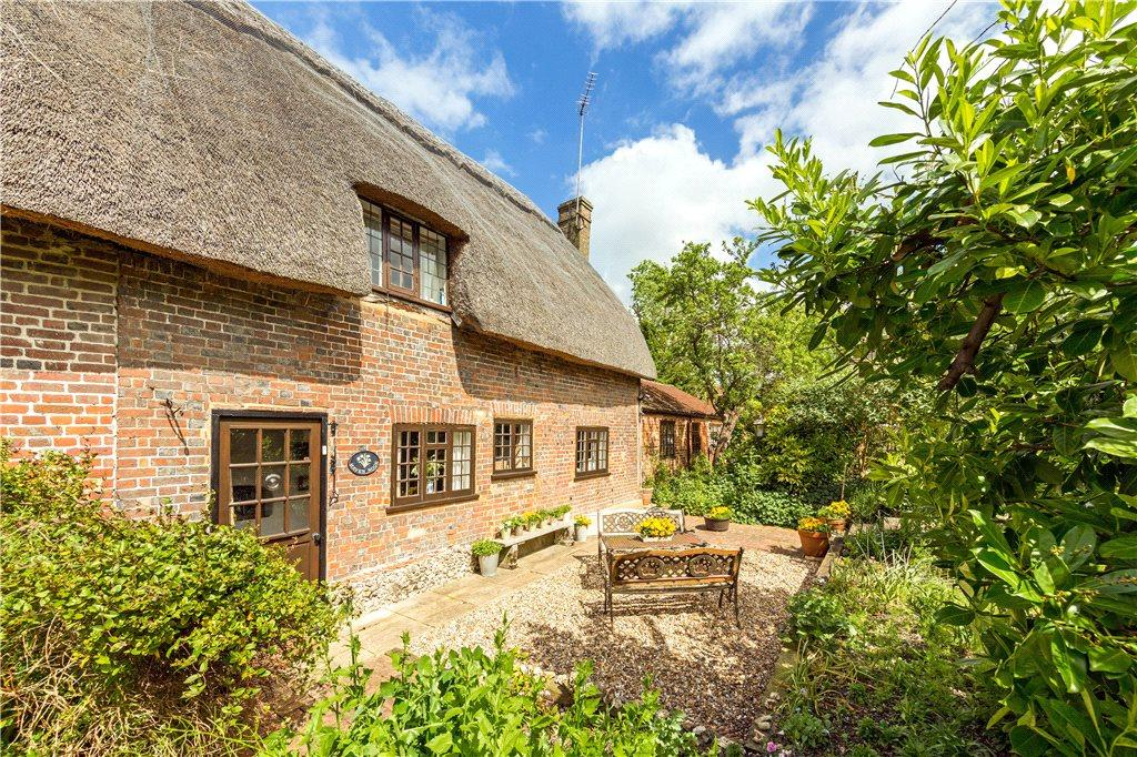 4 Bedrooms Unique Property for sale in Pitstone Green Cottages, Pitstone, Leighton Buzzard, Buckinghamshire