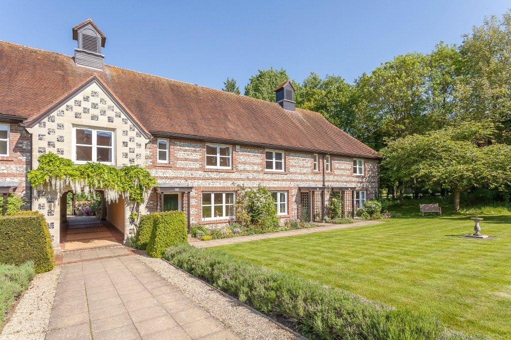 3 Bedrooms Retirement Property for sale in Earls Manor Court, Winterbourne Earls, Salisbury, Wiltshire, SP4